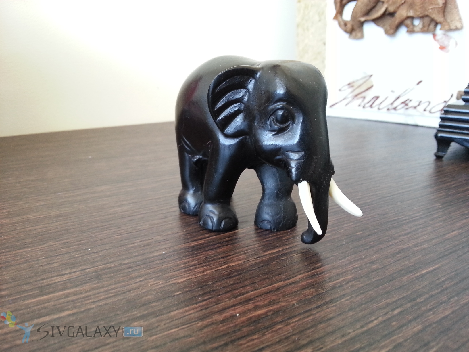 Фото с камеры Samsung Galaxy S3 - слон-сувенир