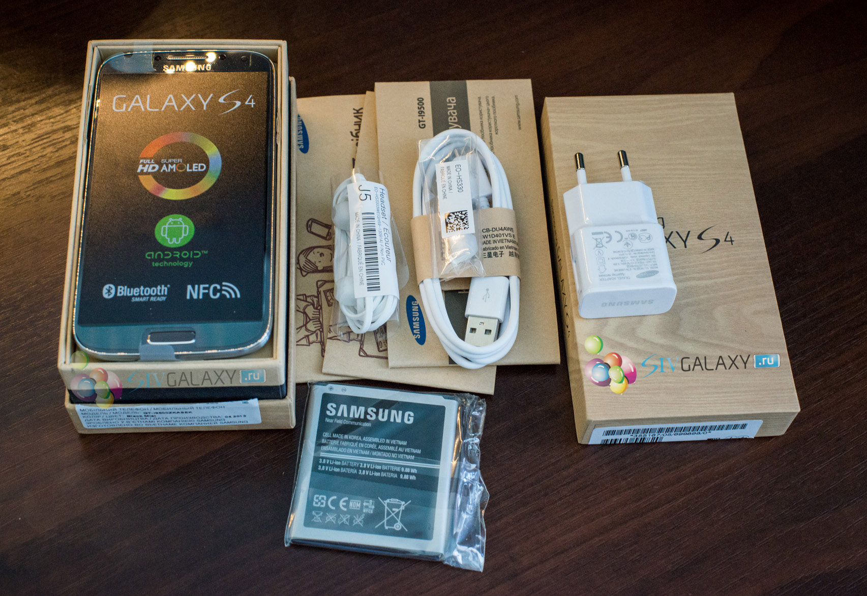 Распаковка Samsung Galaxy S4 I9500