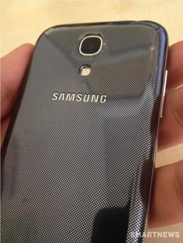 Новые фотографии Samsung Galaxy SIV Mini - задняя крышка