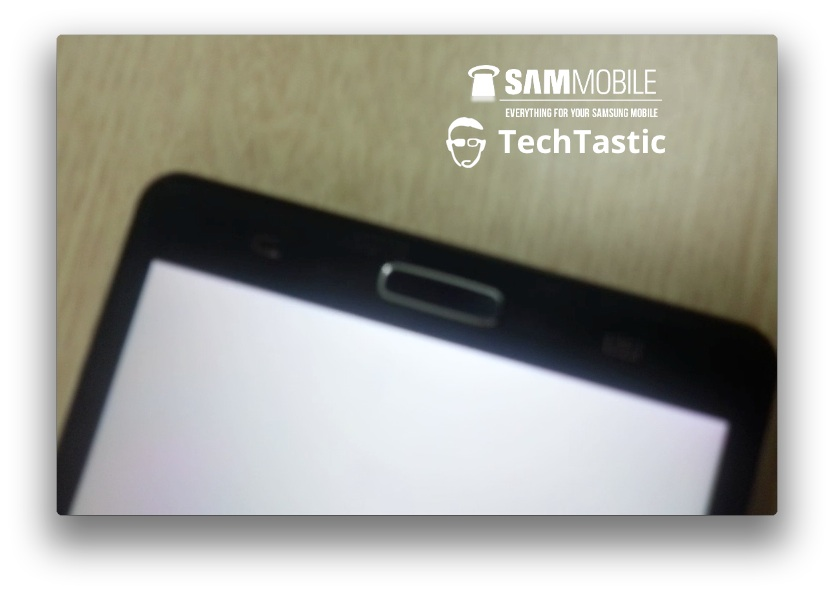 Прототип Samsung Galaxy Note 3 - нижняя грань