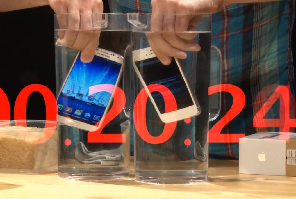 краш тест iPhone 5 vs Samsung Galaxy S4