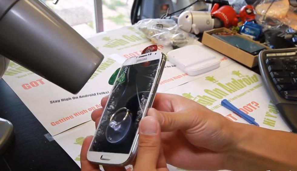 Картинки по запросу Сломанный дисплей на телефоне - сколько стоит заменить его?