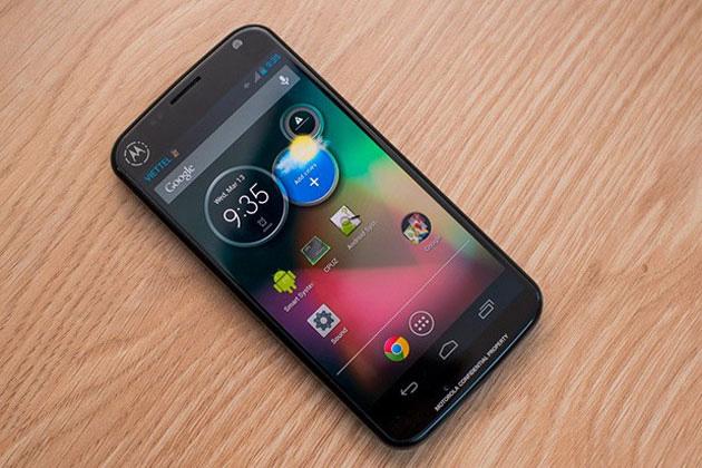 Motorola Moto X vs Samsung Galaxy S4