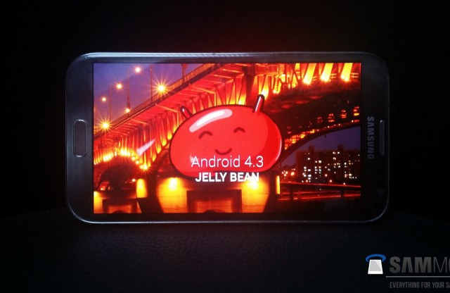 Samsung Galaxy Note II сегодня получил Android 4.3