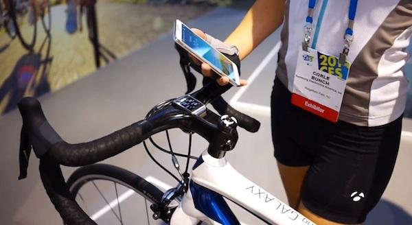 Samsung представила велосипед, заряжающий смартфоны
