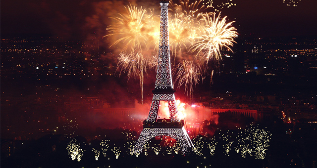 Fireworks live wallpaper – ночные фейерверки для