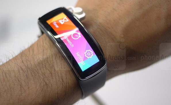 Браслет для финтнеса Samsung Gear Fit
