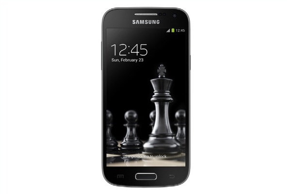 Samsung Galaxy S4 mini Black Edition - экран