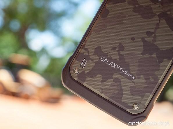 """""""Живые"""" фото Samsung Galaxy S5 Active - новый флагман в интересном цветовом исполнении"""