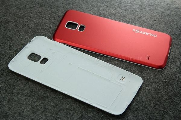 Разноцветные панели из алюминия на Galaxy S5 - красная