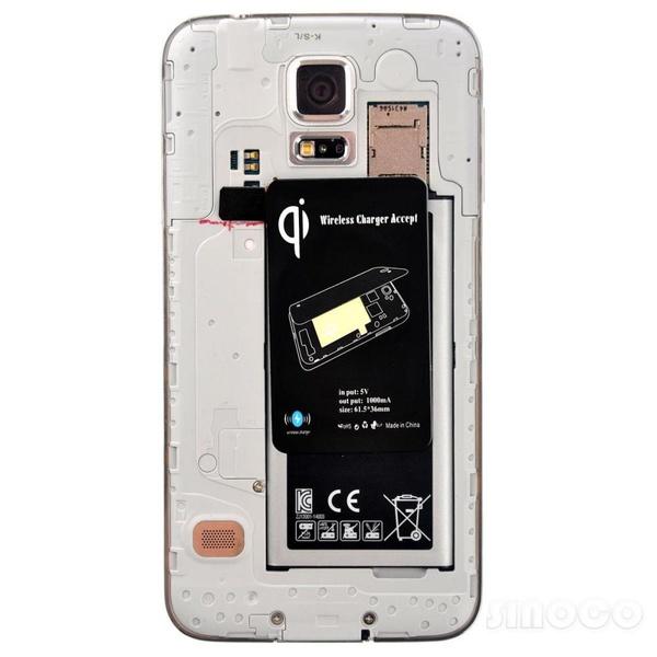 Задняя панель Galaxy S5 - беспроводной адаптер