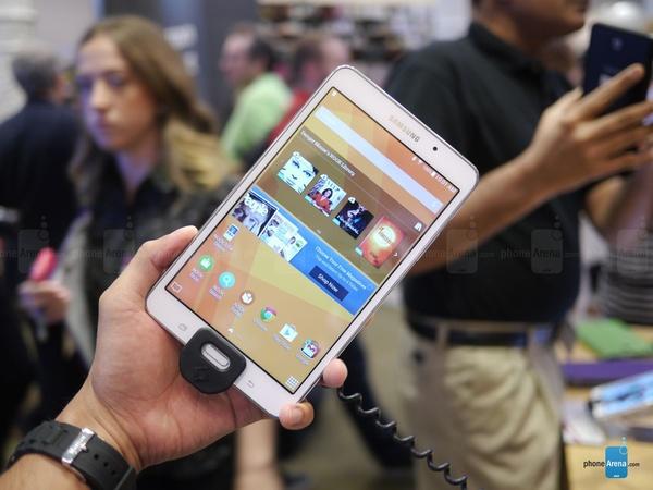 Планшет Samsung Galaxy Tab 4 Nook SM-T230NU