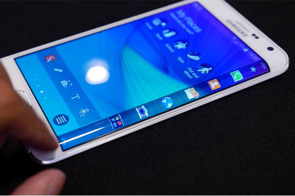 Смартфон Samsung Galaxy Note Edge на видео