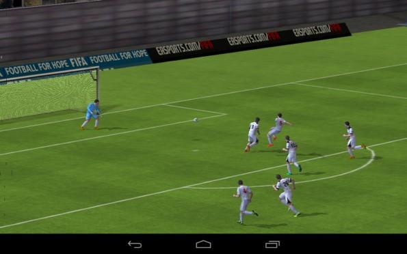 FIFA 15 Ultimate Team – реалистичный футбол для Samsung Galaxy Note 3, S5, S4, S3