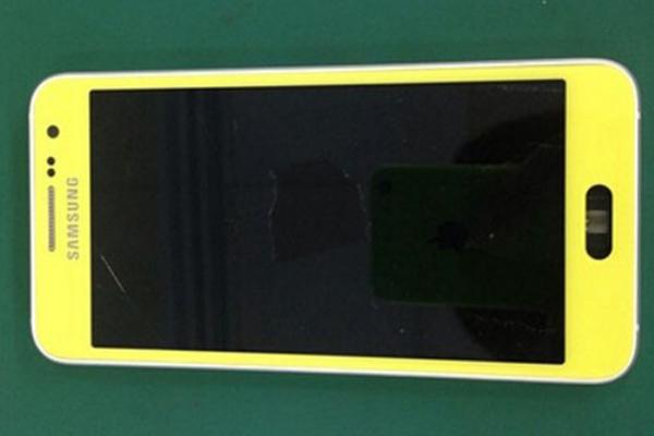 Новый неизвестный смартфон Samsung из новой линейки
