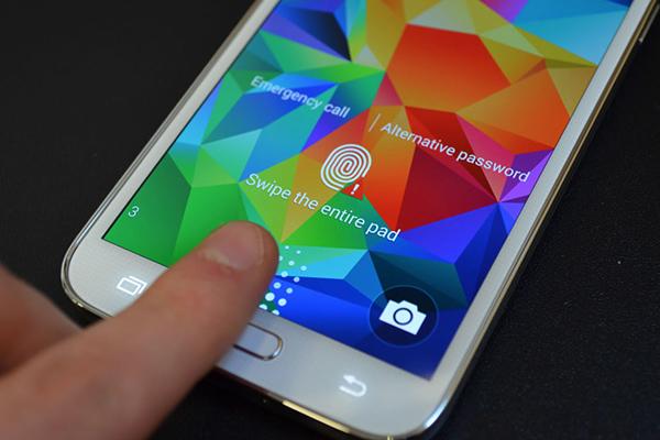 В Самсунг Галакси С6 будет новй сканер отпечатков пальцев
