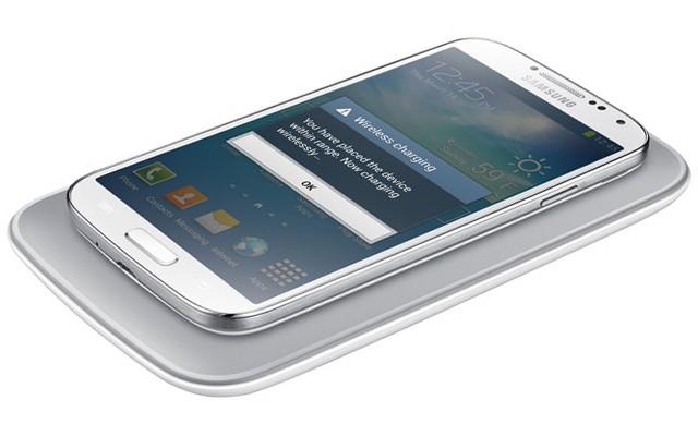 аккумулятор 2600 мАч и беспроводной модуль зарядки - Samsung Galaxy S6
