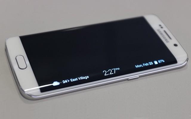 Работа изогнутого экрана Galaxy S6 Edge