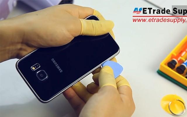 Как разобрать Samsung Galaxy S6 - демонстрация на видео