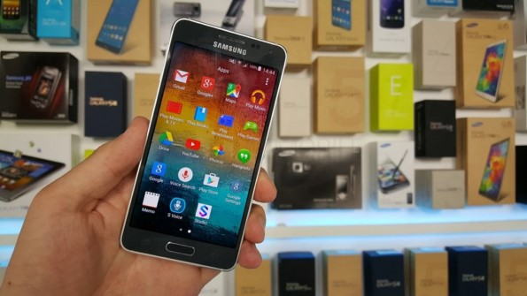 Samsung Galaxy Alpha  получает Android 5.0 Lollipop