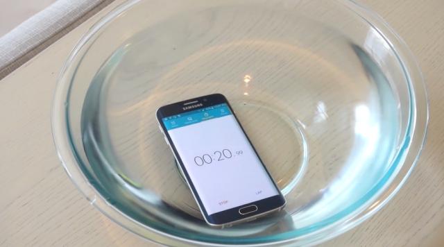 Тест погружения в воду Samsung Galaxy S6 Edge