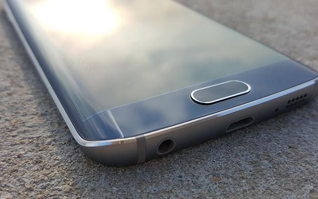 будет новая модель смартфона Samsung с Edge-дисплеем