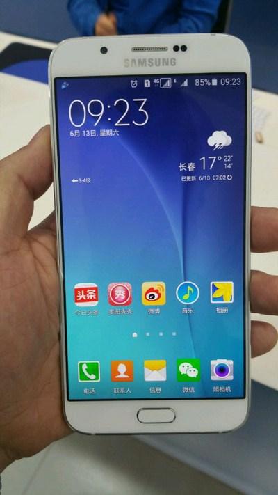 Фото смартфона Samsung Galaxy A8