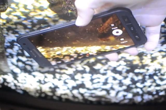Дроп-тесты и тесты водой нового Samsung Galaxy S6 Active -видео тестов водой и падением