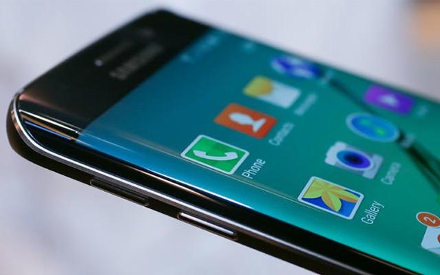 Samsung Galaxy S6 Plus - новый фаблет с заокругленным экраном