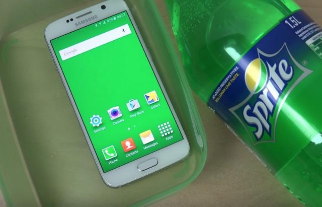 Купание Samsung Galaxy S6 в Sprite