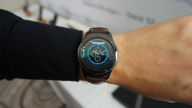 Samsung Gear S2 и Gear S2 Classic фото