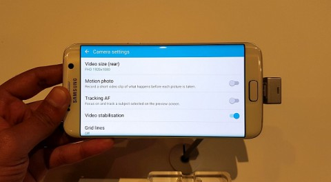 V_Samsung_rasskazali_o_kamere_Galaxy_S7