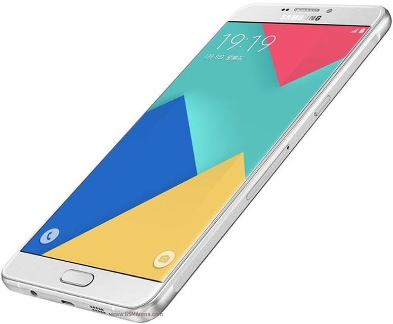 Samsung Galaxy A9 - экран