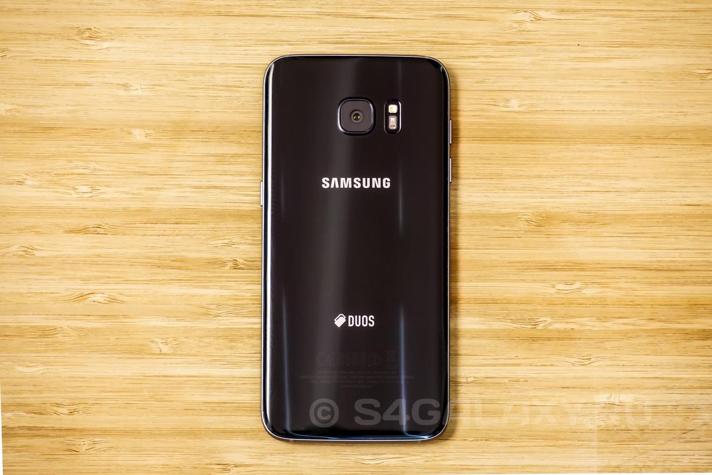 Samsung Galaxy S7 Edge - черный, задняя панель