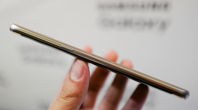 Samsung Galaxy S7 Edge - боковые грани