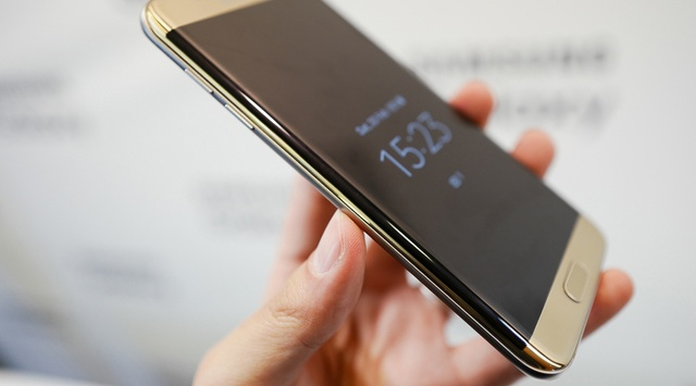 Samsung Galaxy S7 Edge - дисплей