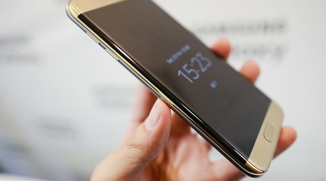 Samsung Galaxy S7 Edge - дисплей