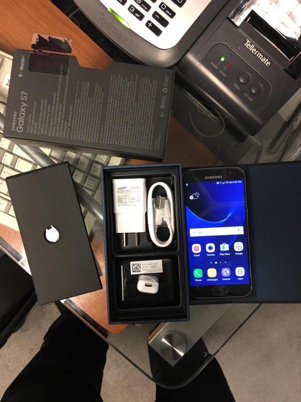 T-Mobile_dejstvitel'no_nachal_dostavlyat'_Galaxy_S7_pokupatelyam_pered_ego_oficial'nym_zapuskom_v_prodazhu