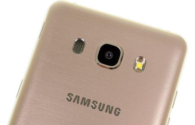 Samsung Galaxy J5 2016 - камера