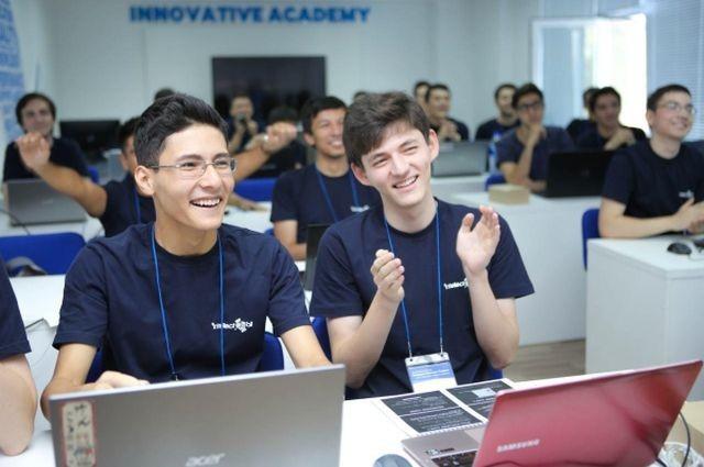 Инженеры Samsung помогают молодым разработчикам освоить технологию создания программного пространства для пользователя