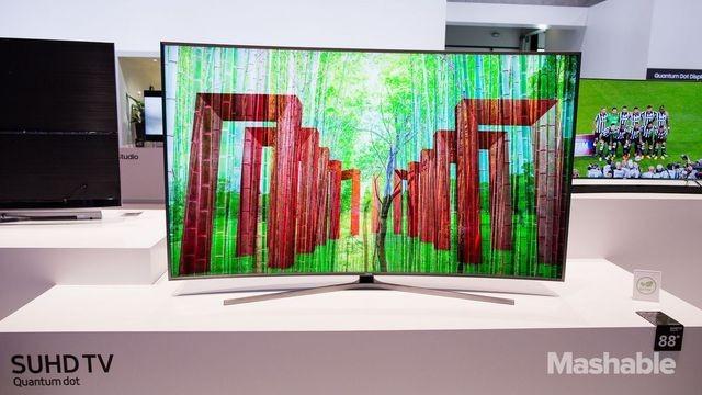 Компания Samsung представила телевизор рекордных размеров