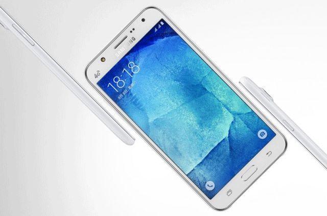 Информация о Samsung Galaxy J7 (2017) появилась в СМИ