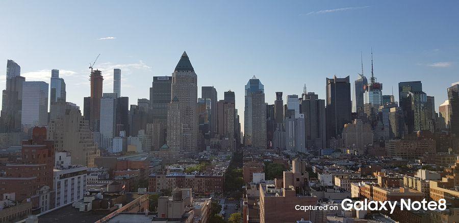 Фото с камеры Галакси Нот 8 - город