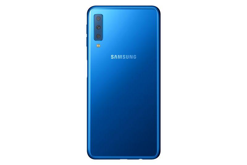 Фото Samsung Galaxy A7 2018